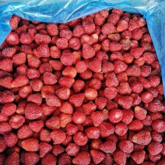 BRC Certified IQF Frozen Food Fruits 100% IQF Strawberry No Added Sugar supplier